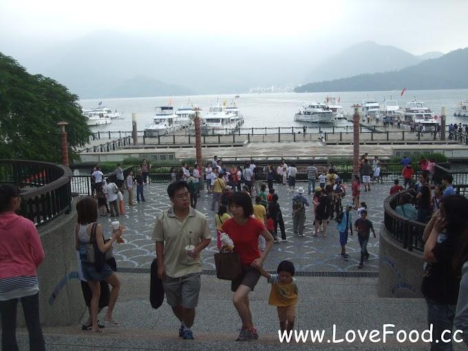 南投魚池-日月潭水社碼頭-環湖登船處 充滿民宿攤販的名勝街-Shuishe Pier