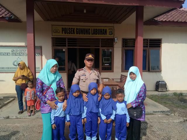 Edukasi Tugas Kepolisian, TK dan PAUD Kecamatan Gunung Labuhan Kunjungi Kantor Polisi