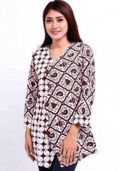 Contoh baju atasan wanita muslimah motif batik