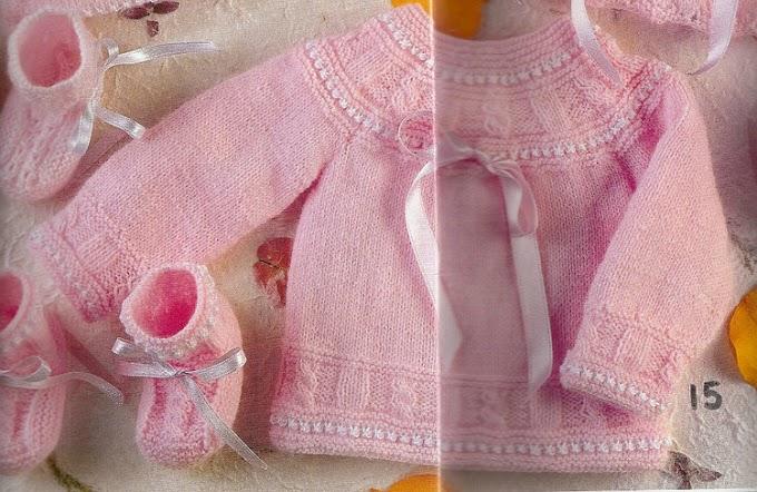 Casaquinho E Sapatinho Bebê Em Tricô Rosa Para Meninas E Azul Para Meninos