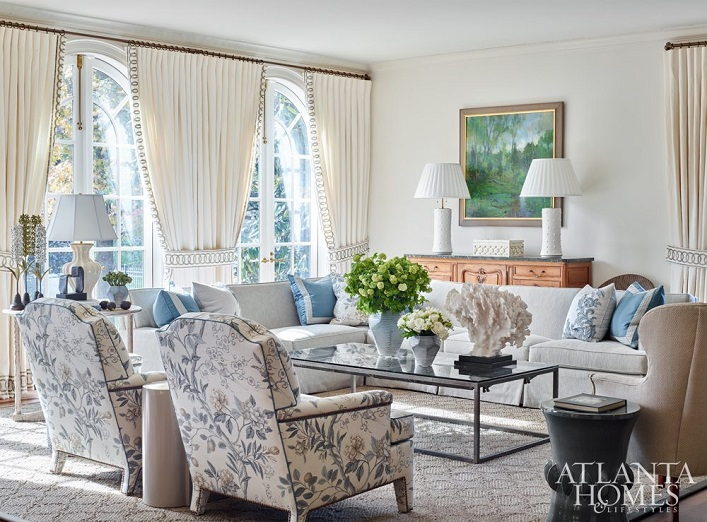 Mix And Chic: Inside A Bright And Beautiful Transitional
