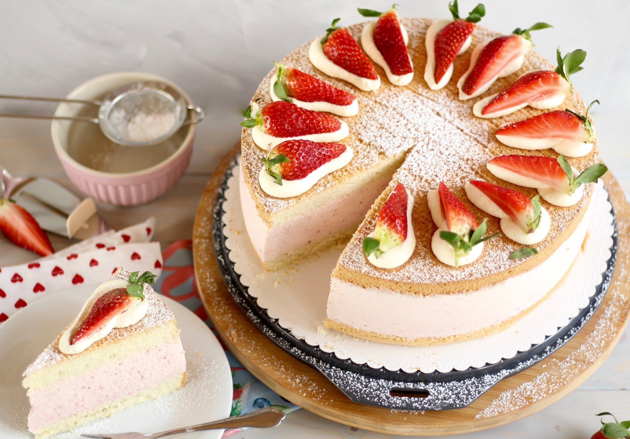 Traumhafte Erdbeer-Käse-Sahnetorte backen! Geburtstagstorte | Rezept und Video von Sugarprincess