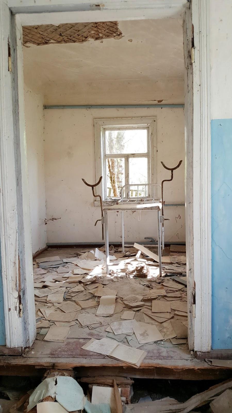 Porta Vela Door 2000.Trepsim Po Pasaulį Cernobylis