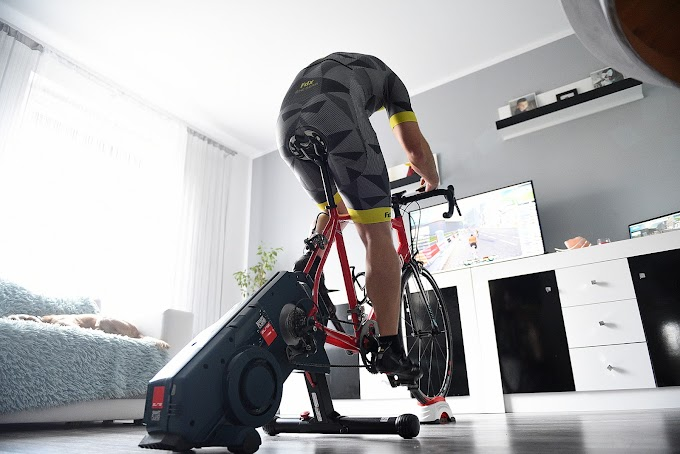 Trening kolarski w domu. Trenażer ELITE Turno Misuro B+