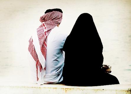 Bolehkah bercumbu pasangan suami istri saat puasa ramadhan