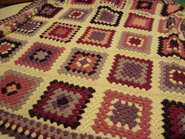 El petit punt patchwork en girona manta tradicional de - Aplicaciones de crochet para colchas ...