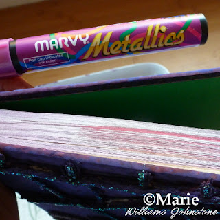 Marvy metallics marker pen
