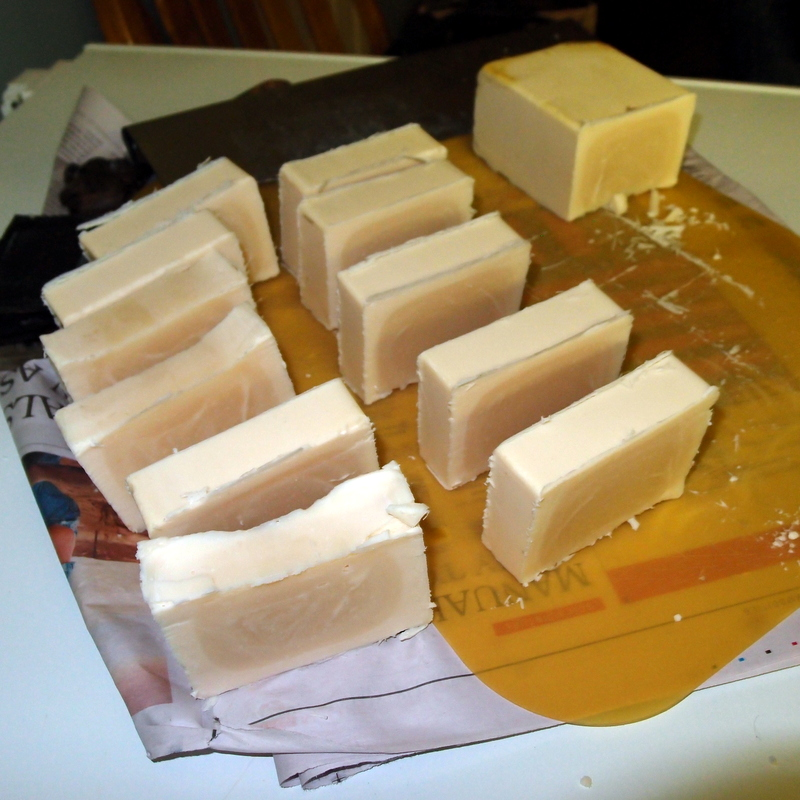 eight acres: 100% beef tallow soap