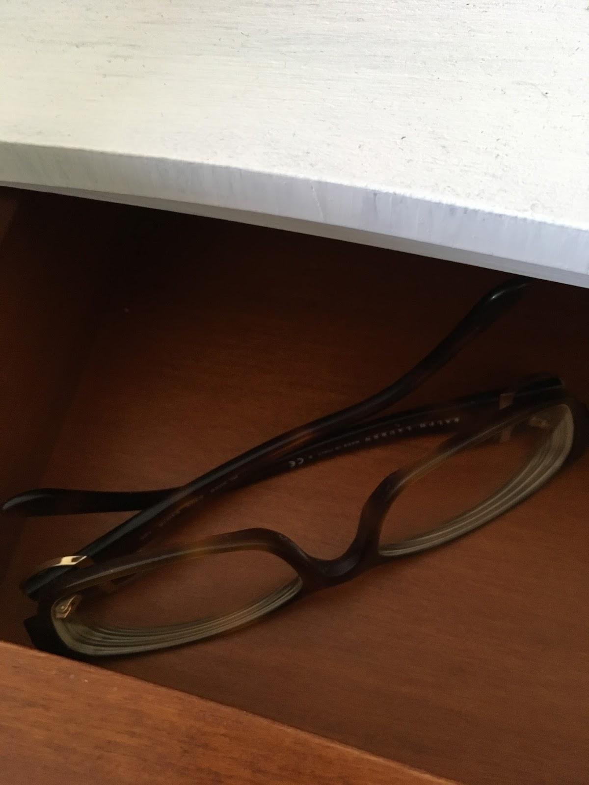 charlotte papote je porte des lentilles pour dormir et voir le jour. Black Bedroom Furniture Sets. Home Design Ideas