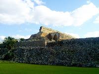 Castillo Maya Kabah Yucatan