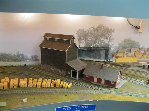 Craftsman Structures: Hamilton Model Works - Wooden Grain Elevator