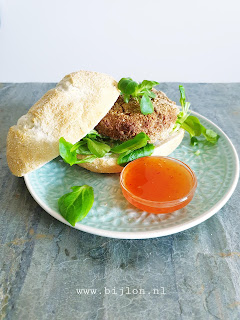 Pulled Oats Saté Burger