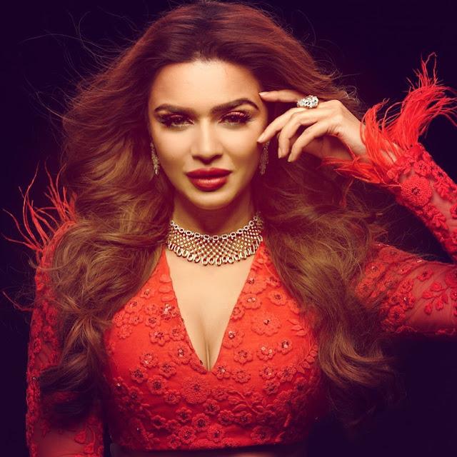 Aashka Goradia  (Indian Actress) Wiki, Age, Height, Family, Career, Awards, and Many More...