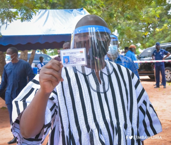 VP Bawumia Registers For New Voter ID