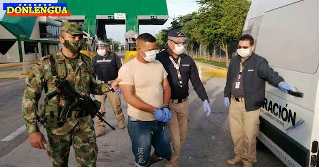 Siete venezolanos expulsados de Colombia por atracar en el Transmilenio