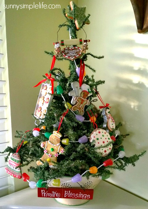kitchen Christmas tree, vintage