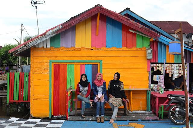 Kampung warna warni Kuantan di Tepian Kapuas