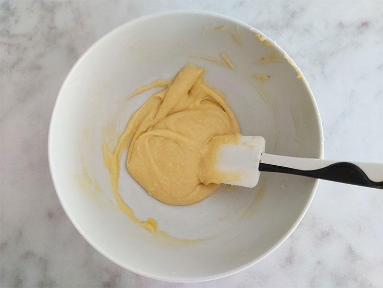 Crème d'amandes crue