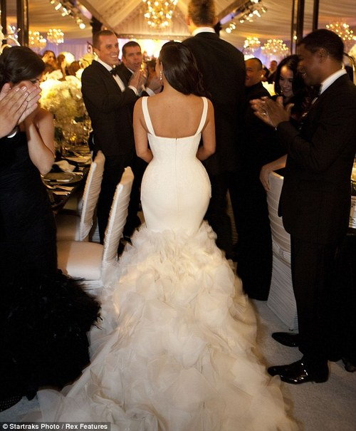 Kim Kardashian Wedding Gown: Kim Kardashian Wedding Dresses By Vera Wang
