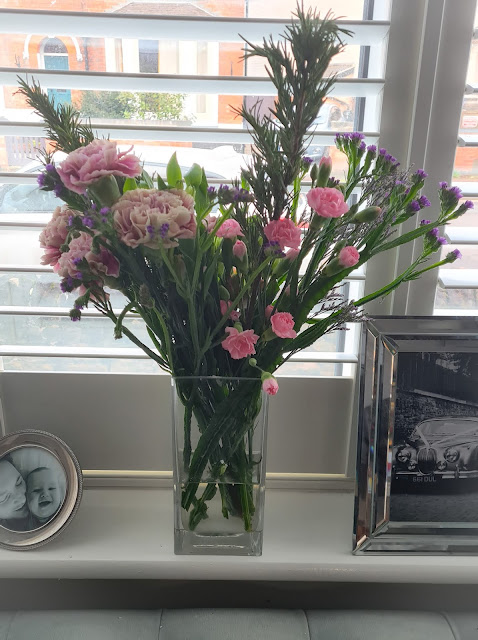 Bloom and Wild 'The Jules' Bouquet review