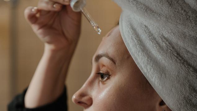 Skincare untuk bekas jerawat