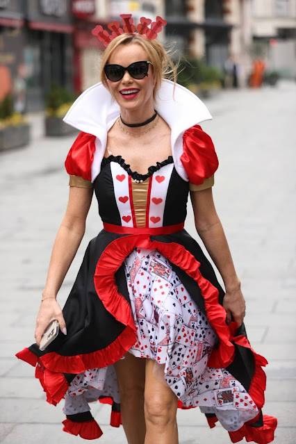 Amanda Holden – Dressed as the Queen of Hearts for world book day in London