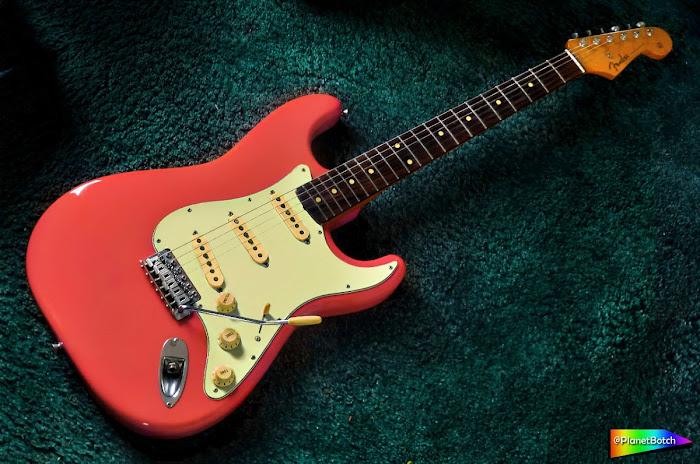 Fender Strat pink