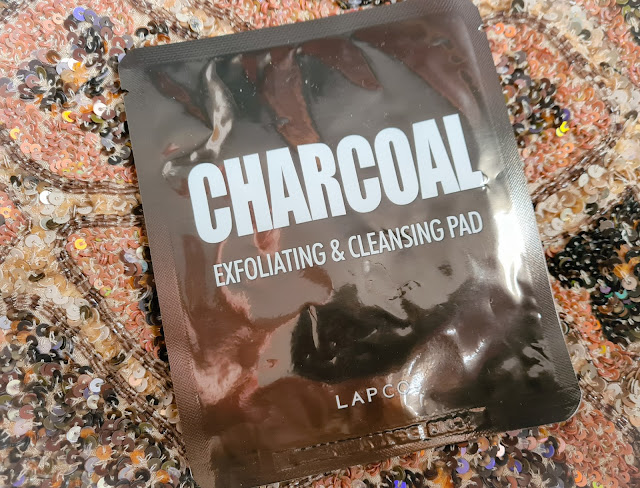 Lapcos Charcoal Exfoliating & Cleansing Pad review