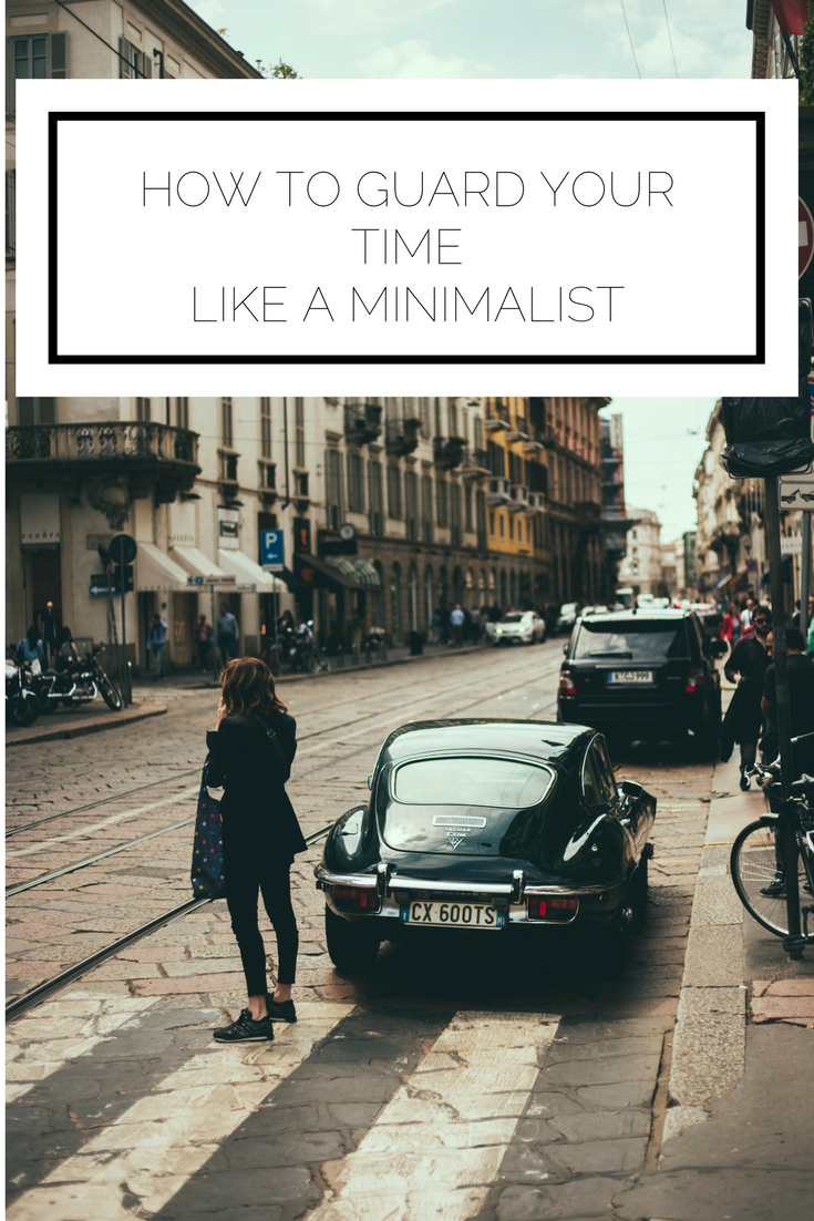 Click to read now or pin to save for later! Do you find yourself running around without a second of rest? It may be time to reassess how you spend your time and take a look at your schedule through the eyes of a minimalist