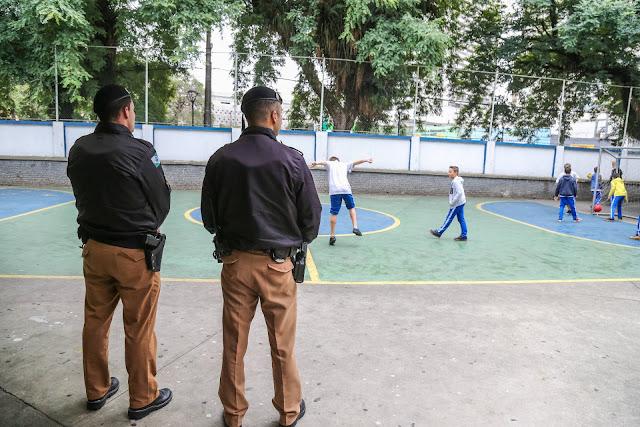 Começa a seleção de policiais que vão atuar nas escolas estaduais