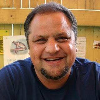 Fotka smějícího se autora knihu, Steva Silbermanna