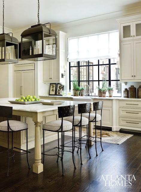 Stunning kitchen with a black and white decor scheme