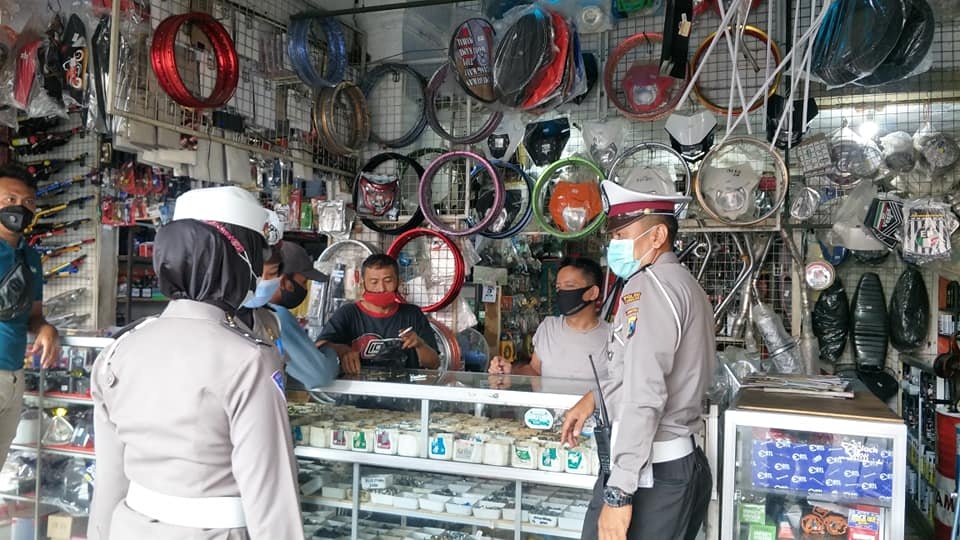 Tekan Penggunaan Knalpot Brong, Polisi Datangi Penjual dan Bengkel