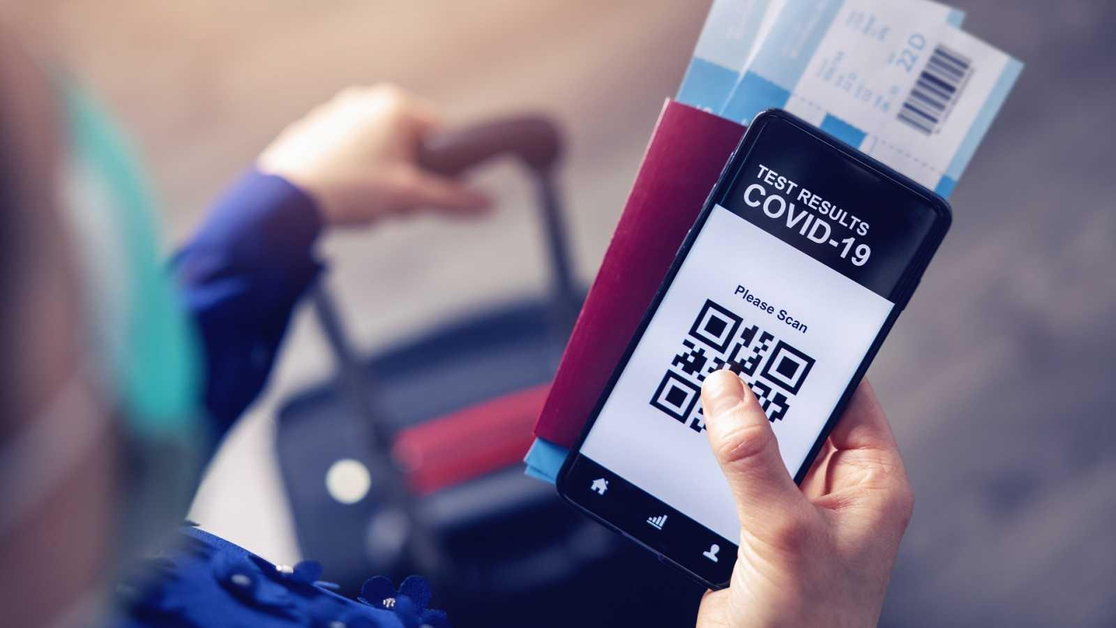 """Parlamento Europeo aprueba implantación de """"pasaporte"""" covid digital a partir del 1 de julio"""