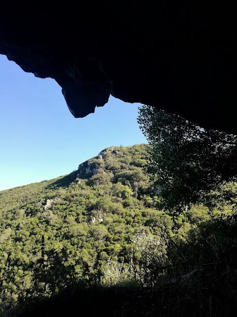 grutas de olelas vista para a serra de olelas