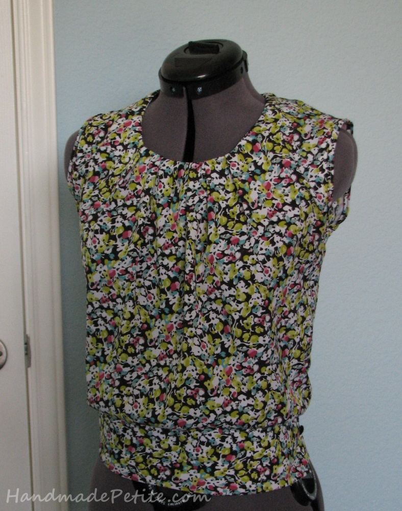Sewing floral blouse from Simplicity 2892 pattern