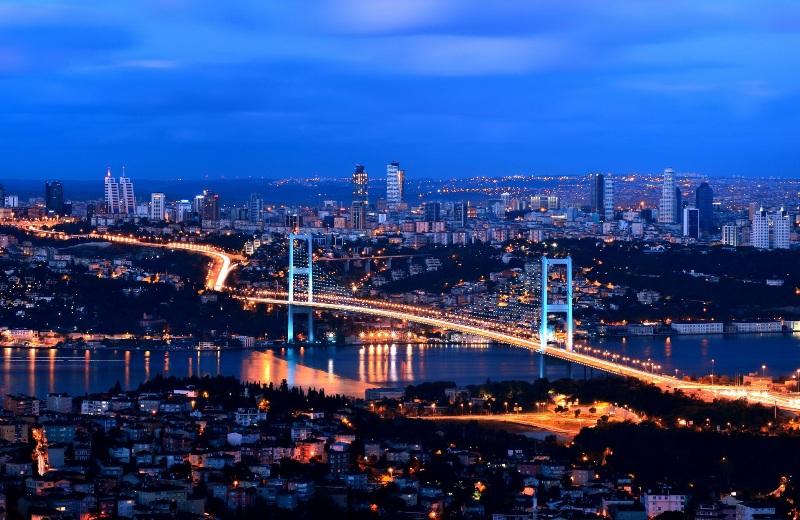 سائق سيارة في اسطنبول ، تركيا