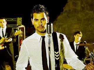 Foto de Eduardo Cruz con corbata
