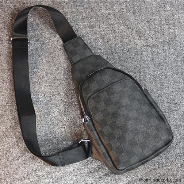 Túi đeo chéo trước ngực sọc caro da nam sang trọng BAM063
