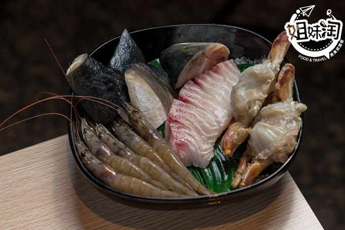 高雄市 左營區 高鐵 推薦 美食 火鍋 麻辣鍋 吃到飽 聚餐 肉肉屋 獨家 必吃 叻沙鍋