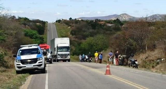Sobe para dois o número de mortos em acidente com ambulância na BA-148