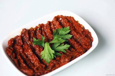 acılı ezme, ezme, bulgur, çiğ köfte, maydanoz, domates, kırmızı biber, yemek tarifleri, ev yemekleri, pratik yemekler