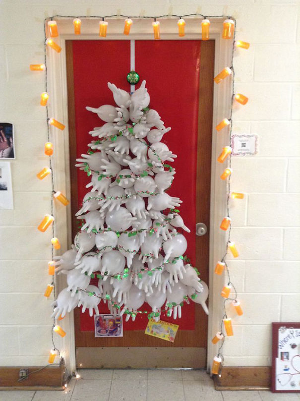 Creative Ideas For Christmas Decorations By A Hospital's Medical Staff - Health Office Christmas Door