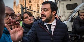Σαλβίνι: «Μη μας συγκρίνετε με τον Τσίπρα που πρόδωσε το λάο του» – «Δεν θα κάνουμε πίσω»