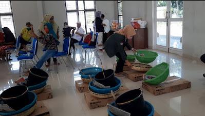 Mahasiswa Praktikum 2 Ilmu Kesejahteraan Sosial FISIP USU Aktif dalam Proses Kegiatan Pemberian Bantuan Usaha Ekonomi Produktif (UEP) kepada Masyarakat di Kecamatan Lubuk Pakam