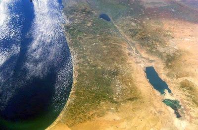 Resultado de imagem para terra de israel vista do espaço