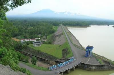 Wisata Waduk Gajah Mungkur