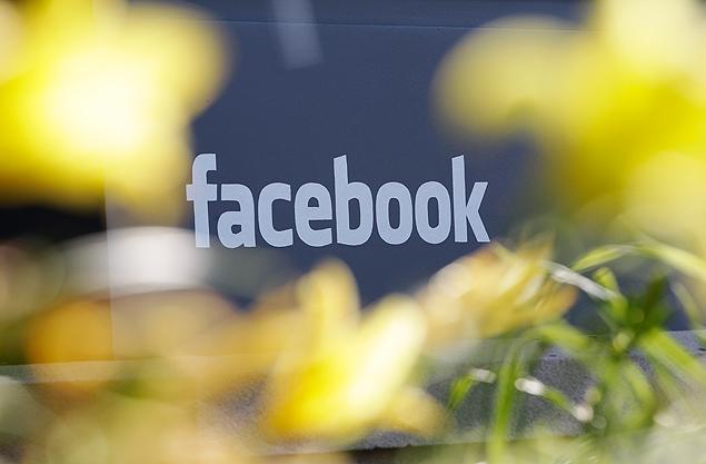Facebook mais do que triplicou o lucro líquido no terceiro trimestre e suas receitas de publicidade móvel aumentaram mais rapidamente do que as despesas