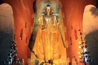 Buda en el templo Ananda de Bagan