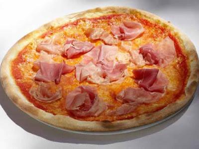 Una pizza al prosciutto cotto: un classico della mia infanzia